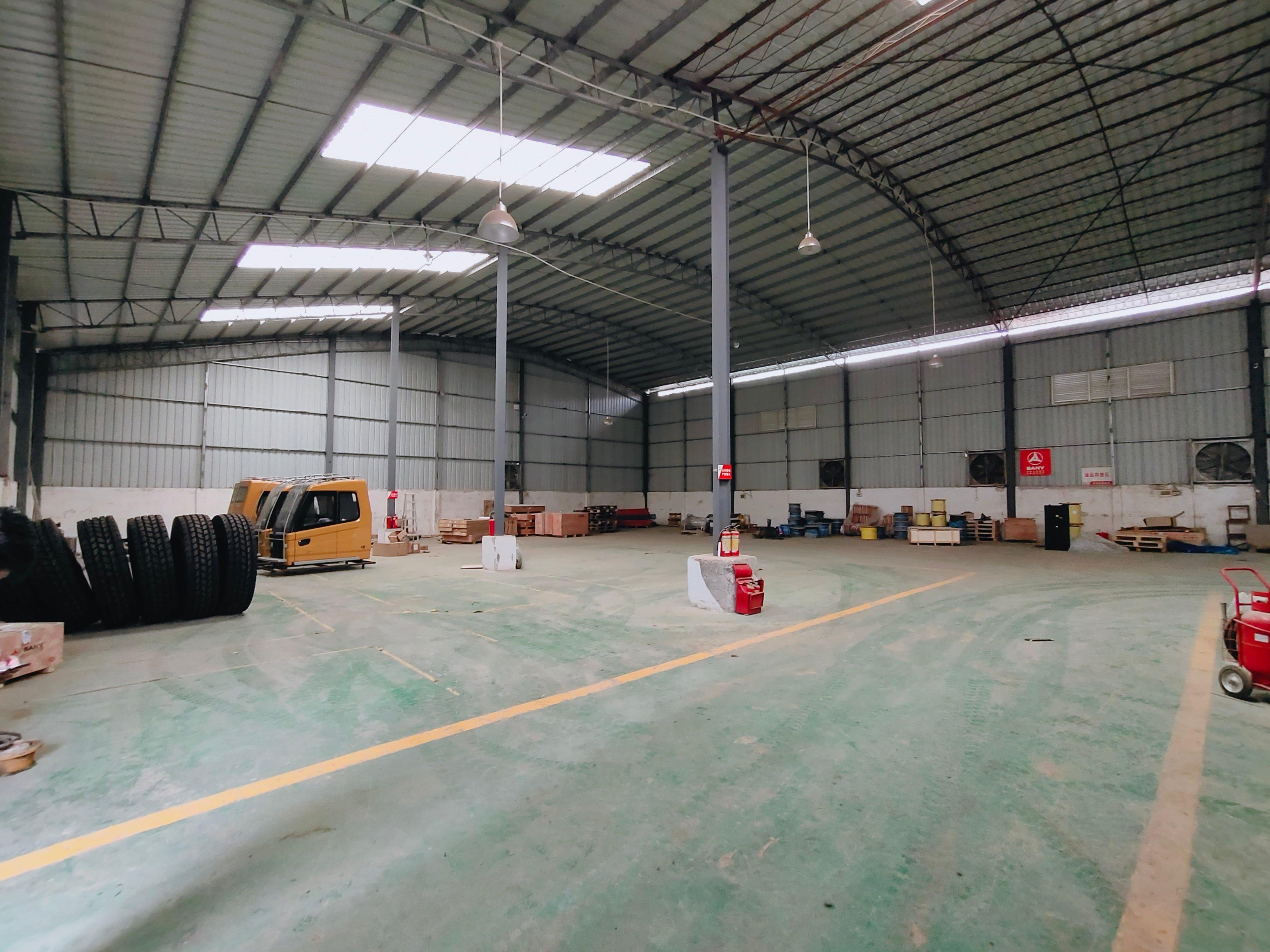 黄埔开发区新出独院仓库1000平方进车方便,停车位多。