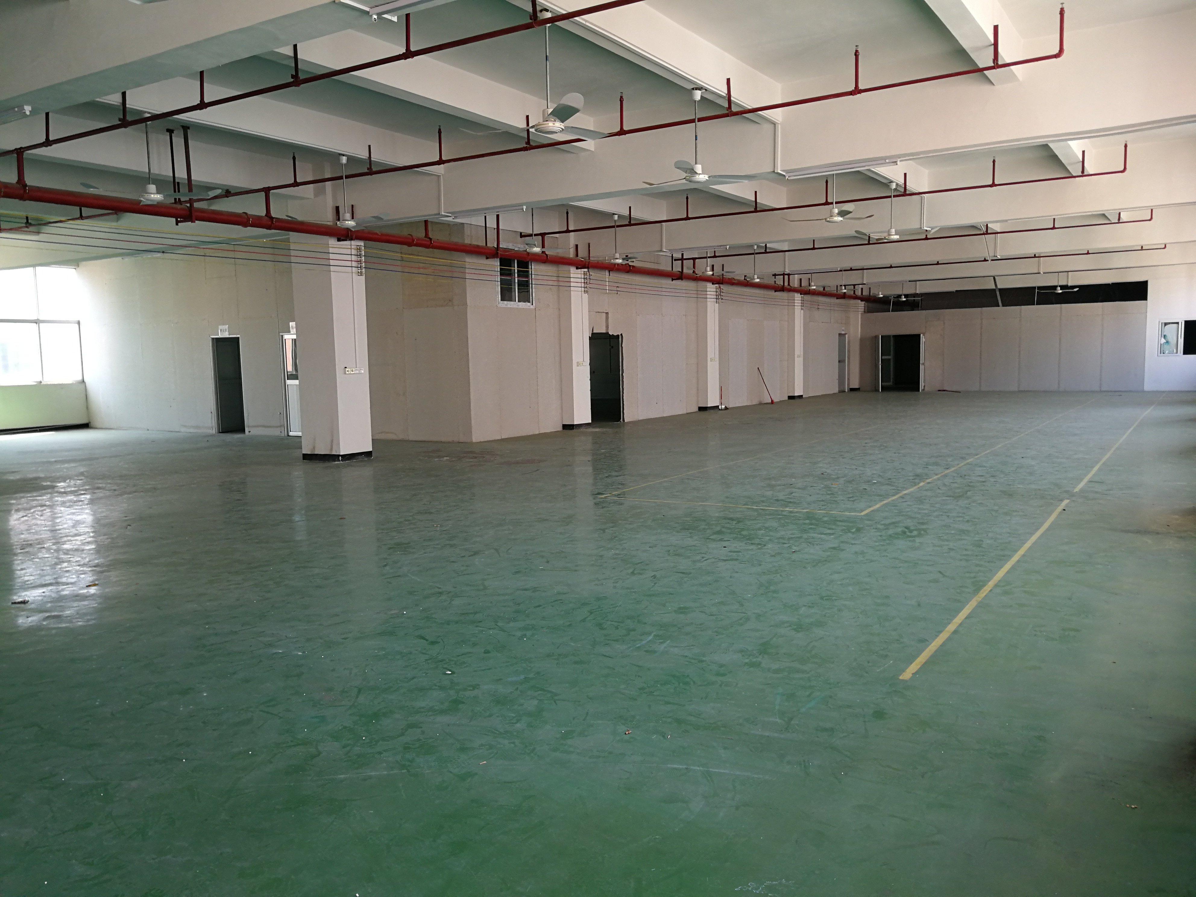 容桂天富来工业园万博app官方下载三楼500到1000方可分租。房东急租
