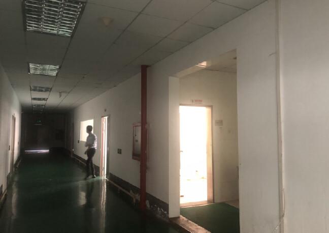 布吉布澜路红本科技园楼上整层1981平米带全新装修