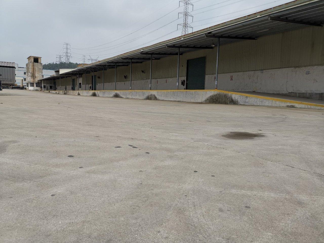 横岗标准仓库5000平方业主直租带卸货平台