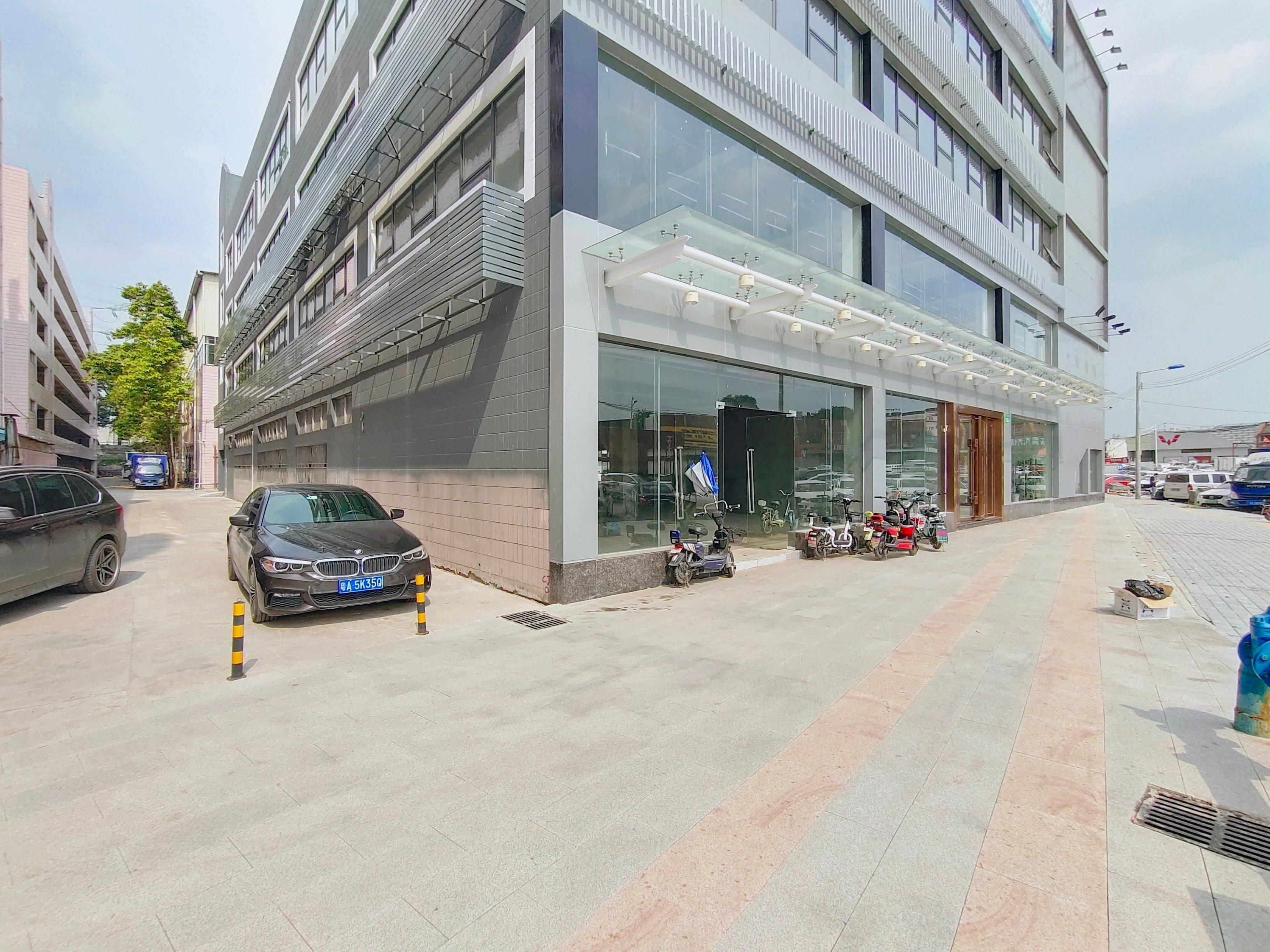 黄埔文冲石化路边上新出1楼厂房仓库商铺800平,大小可分租。