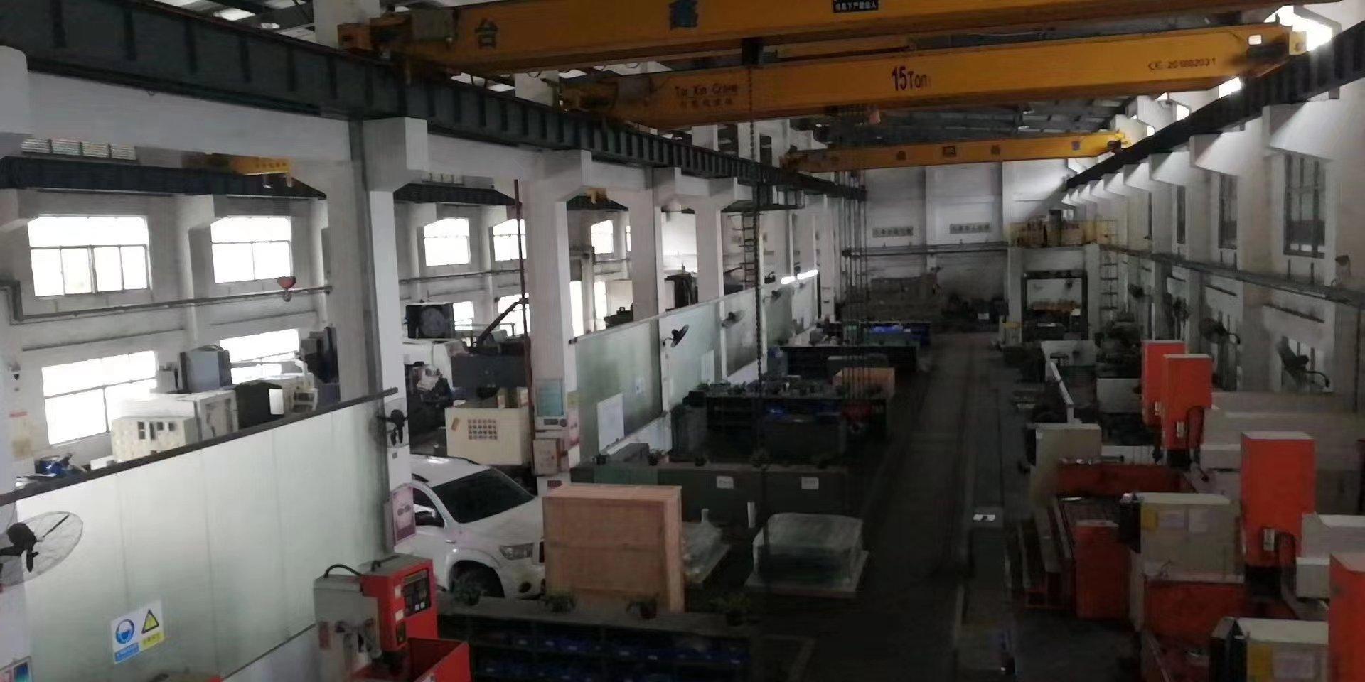 黄江镇原房东单一层3000平方,滴水11米,带三部15吨行车