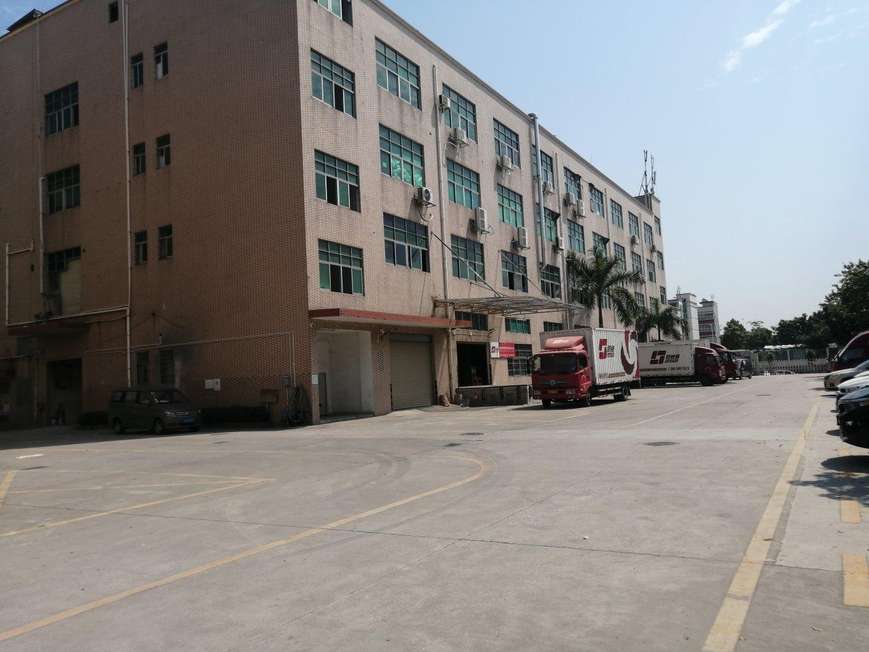 观澜超大空地厂房二楼2300平方,现成仓库