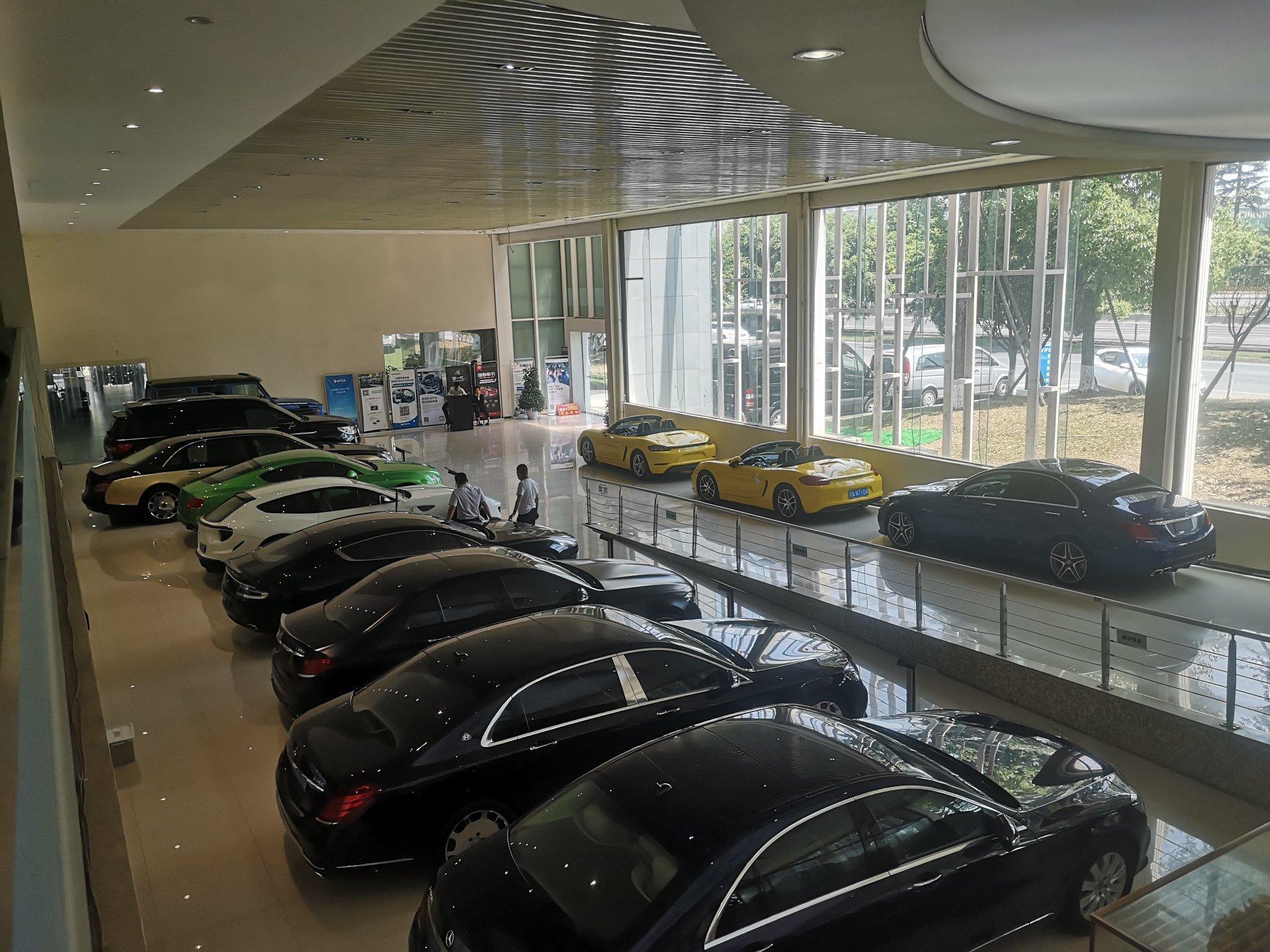 汽车城展厅出租可分租