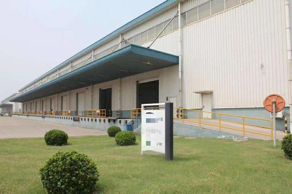 东莞市企石新出物流仓面积2250平米单一层净高8米有卸货平台