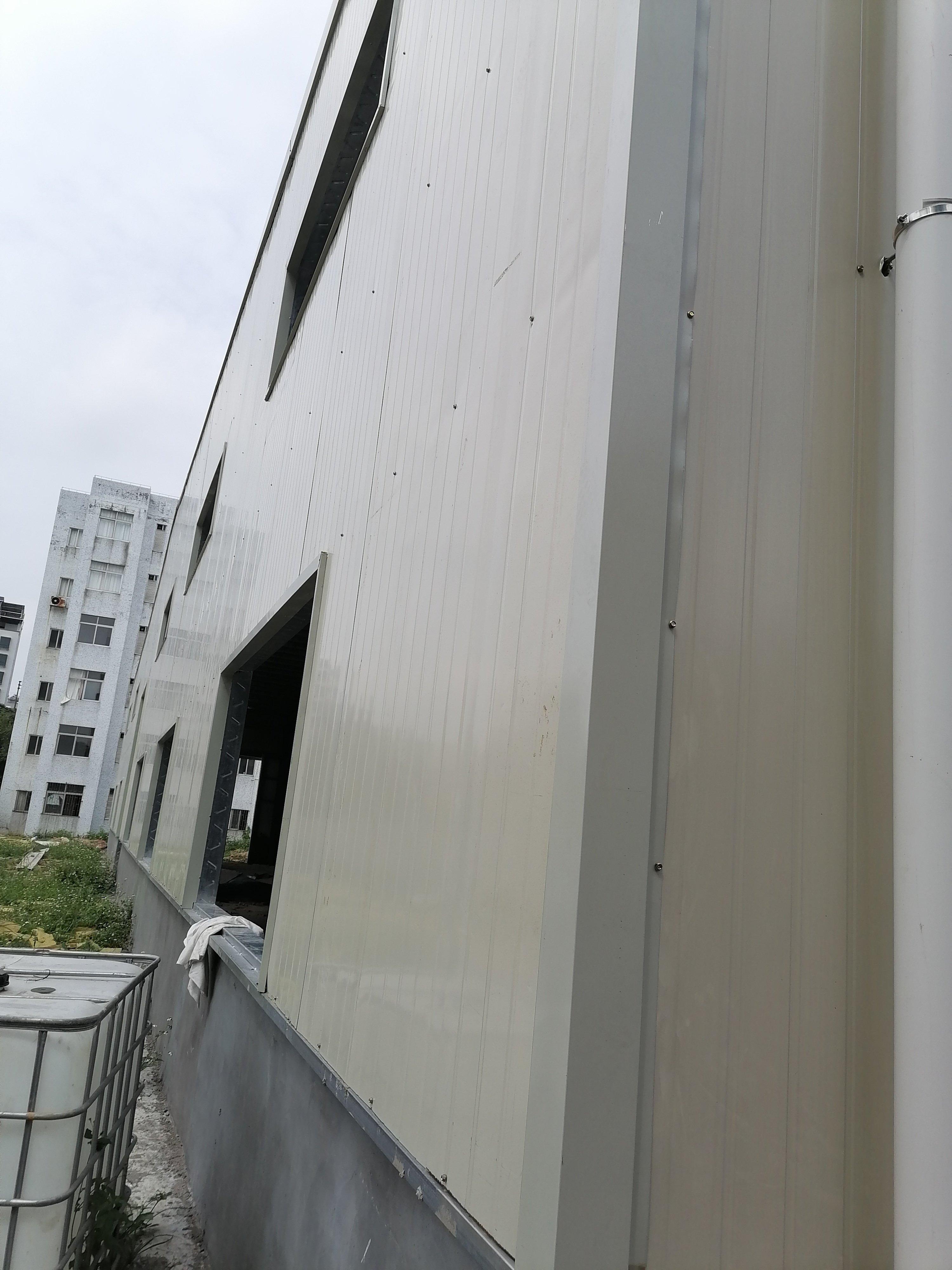 惠东县平山镇临街新出钢构仓库滴水六米1400平分租
