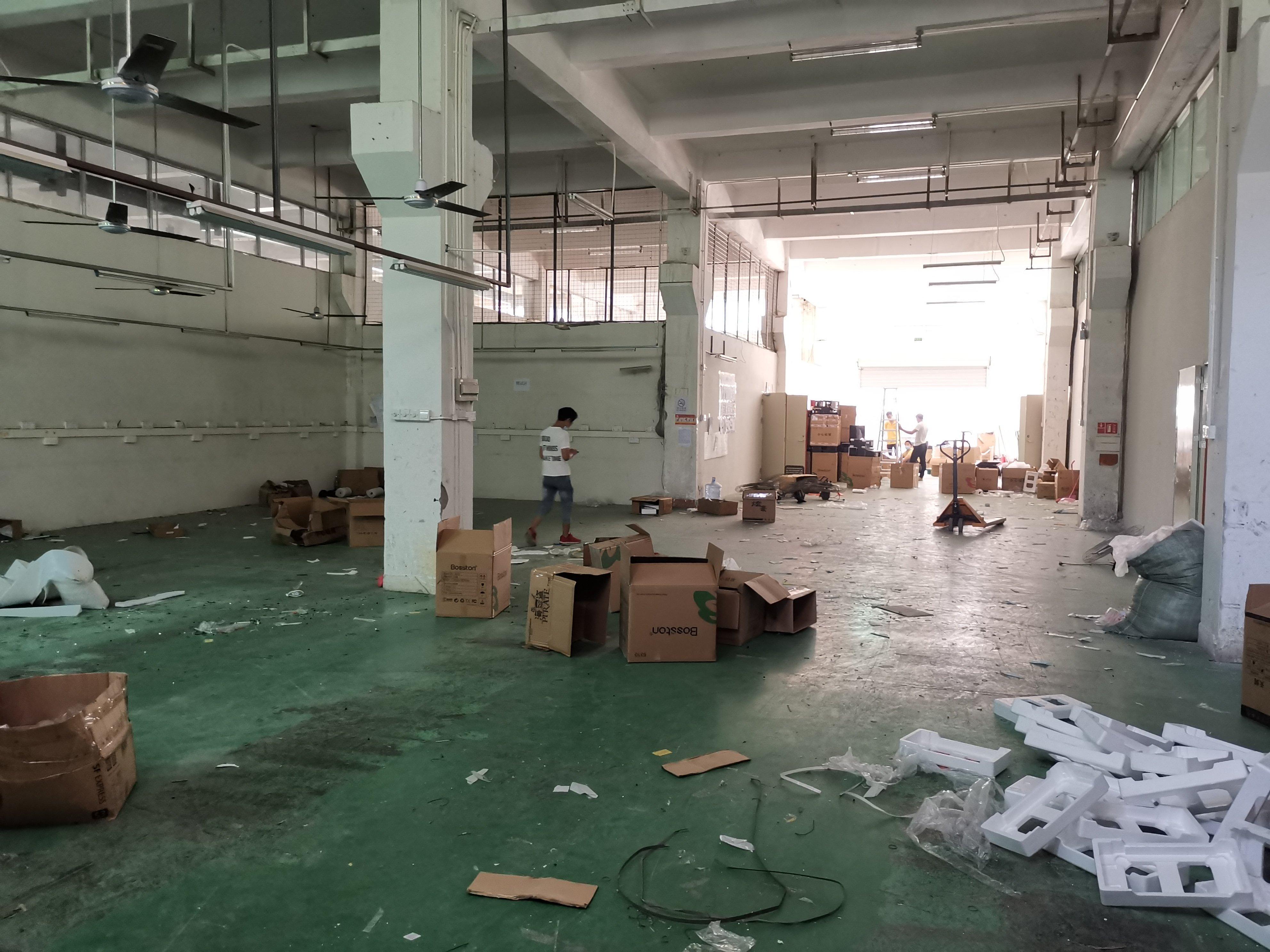 沙井西部万博app官方下载一楼仓库出租