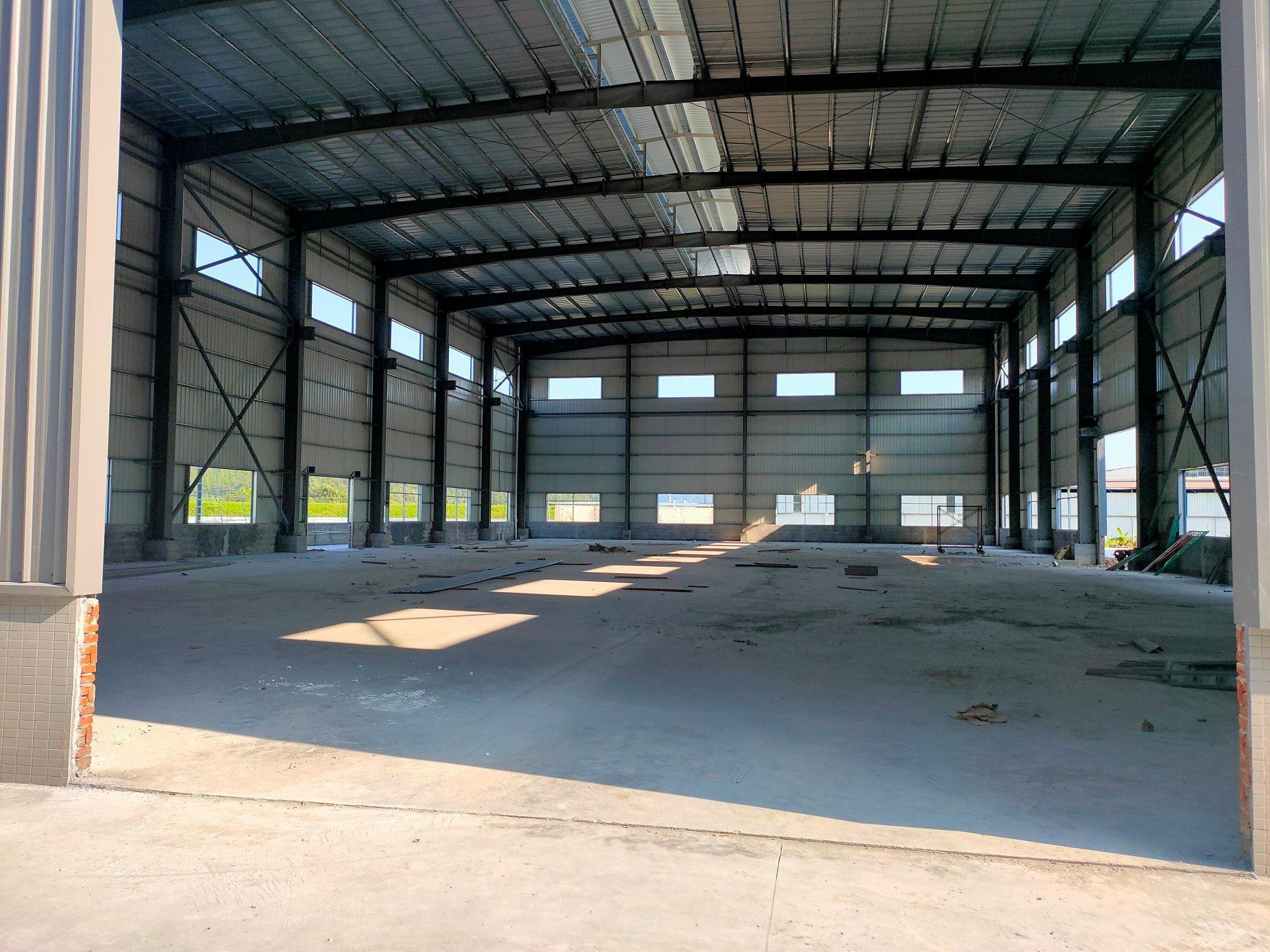 高明杨和杨西大道全新钢构17米高11500平方招租证件齐全