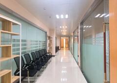 龙华油松新出楼上带豪华装修办公室,家私免费用,价格还便宜