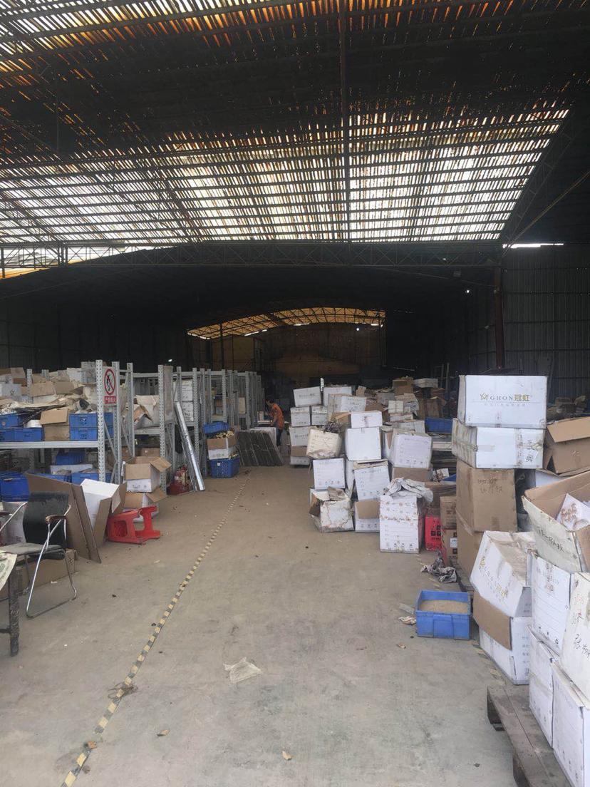 里水鹤峰附近1500方适合仓储,废纸废铁打包等各行各业