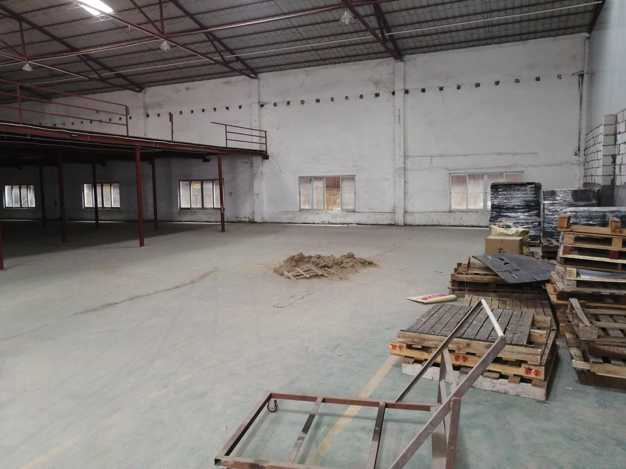 中山南头园林路现空出独门独院单一层钢构厂房1000方滴水7米
