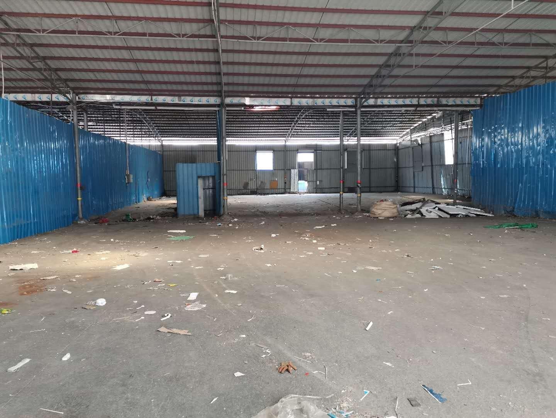 深圳宝安区松岗洪桥头新空出大型仓库1500平方。可做加工仓库