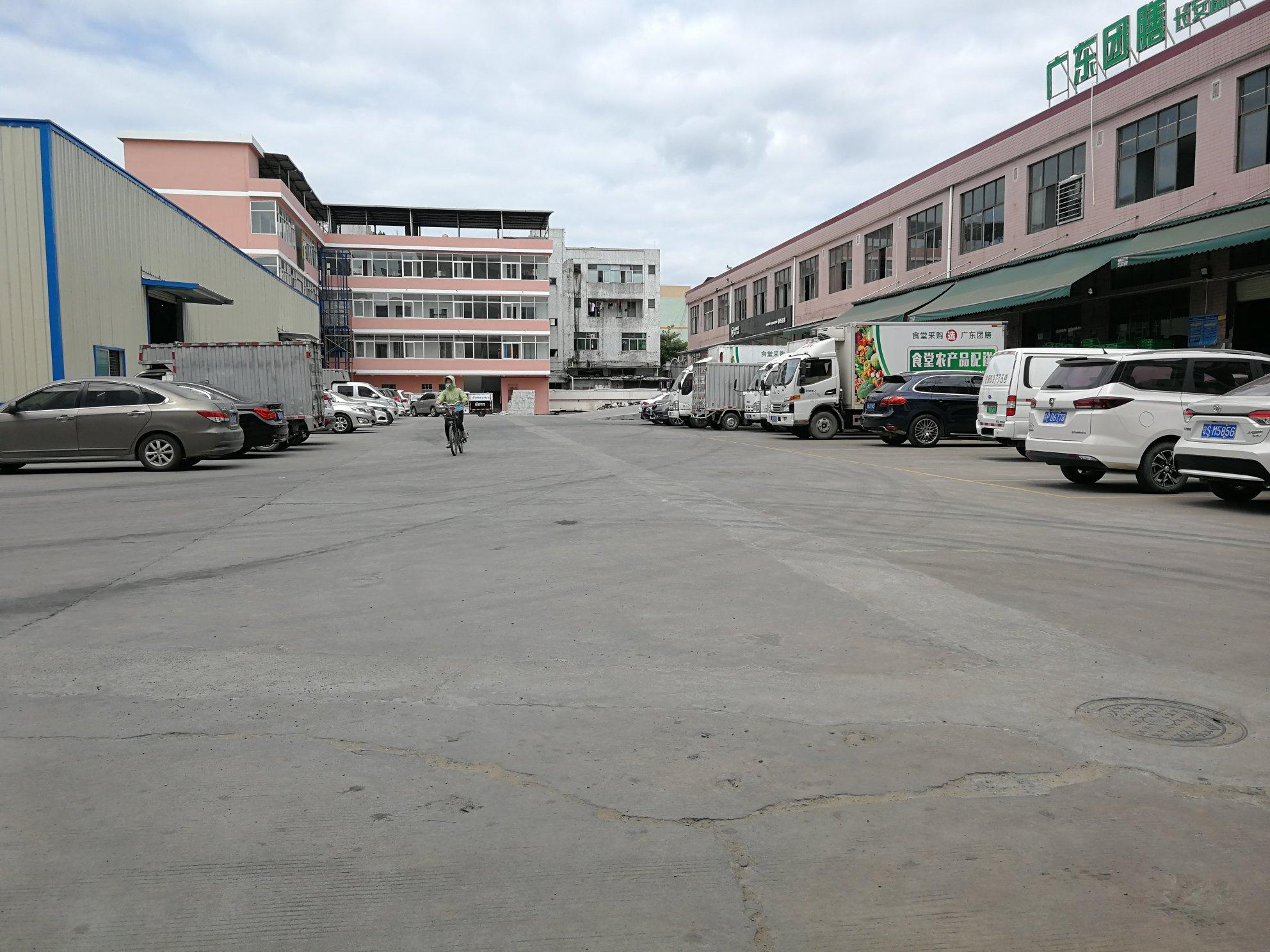 长安广深高速路口原房东8000平仓库出租