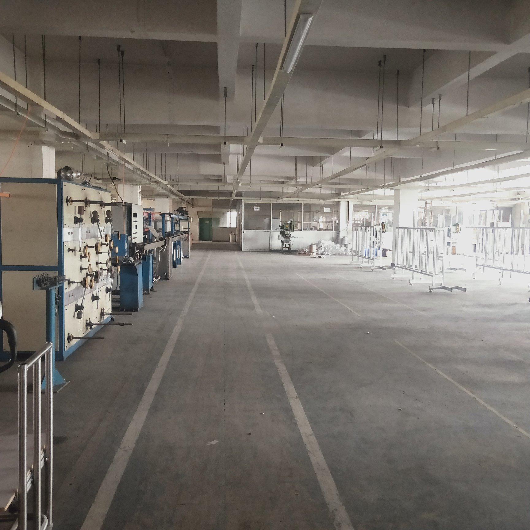 寮步镇实际面积三楼1300平方,带装修
