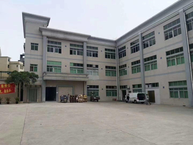 长宁镇主干道旁边,现成精装修标准独院厂房出租。