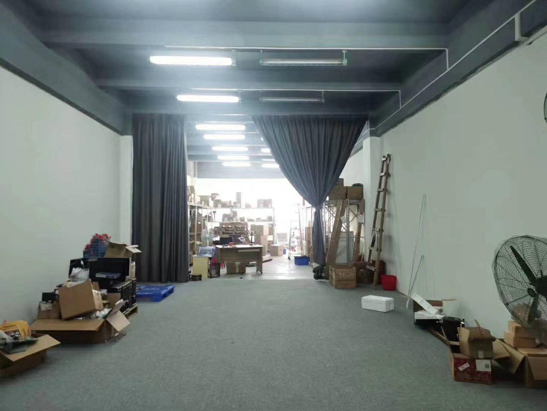 惠城区水口镇东江工业新出楼上720平方精装修厂房。