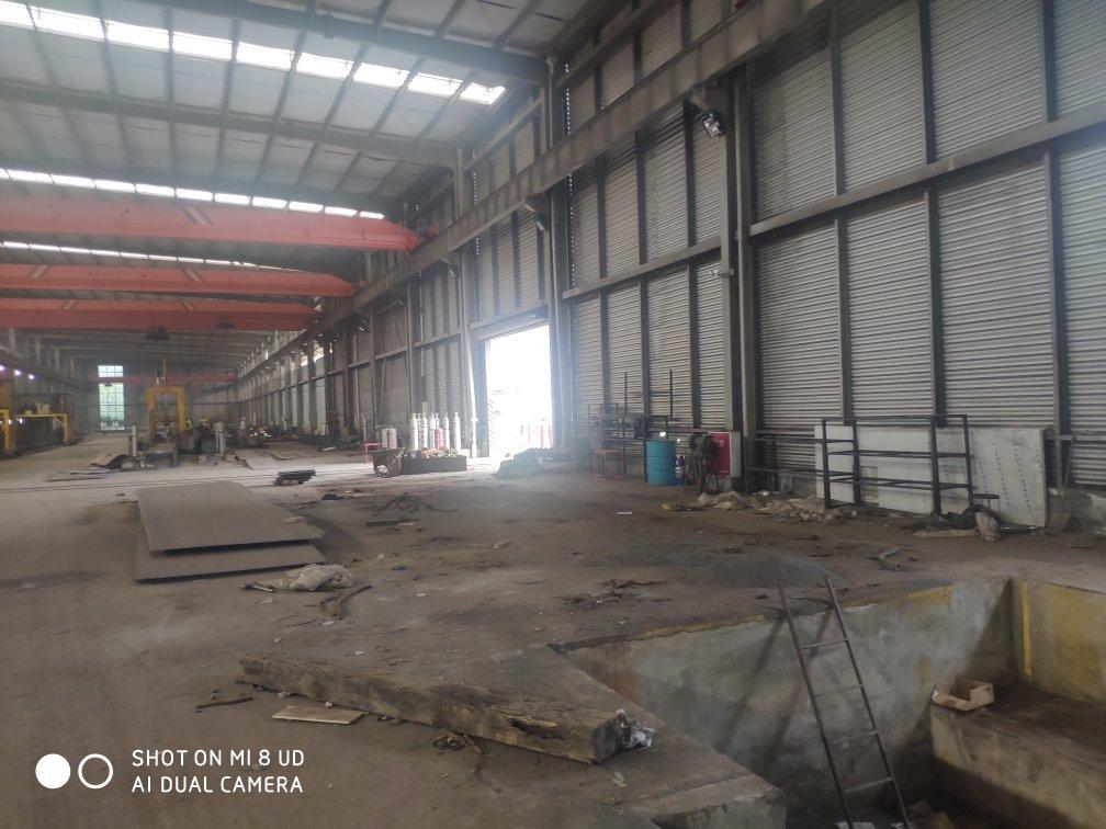 现代工业园,北区,1000平,带两个行车,机械加工