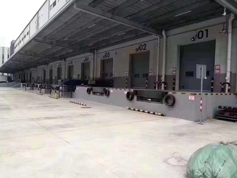 清溪镇高速出口高标物流仓库10000平方