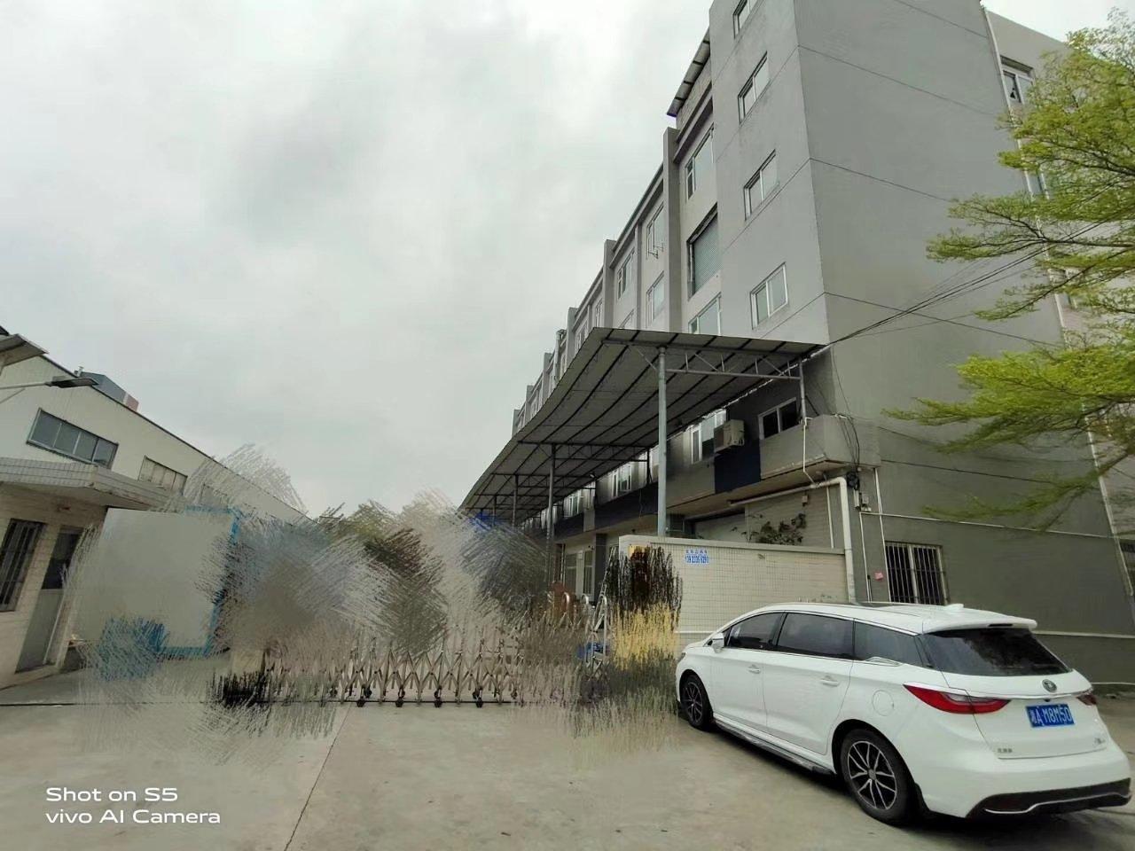原房东工业园内标准万博app官方下载2楼1200方,超便宜18块