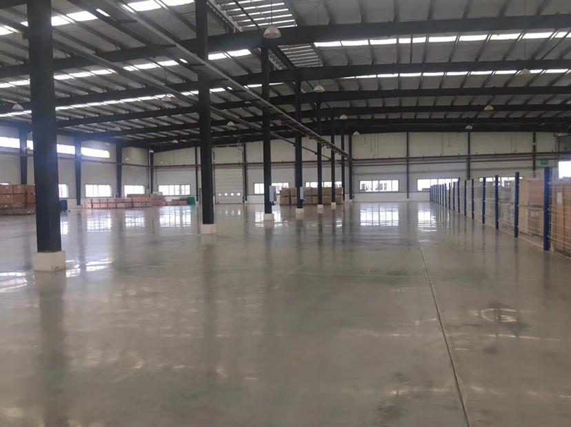 龙泉经开区1800平全新厂房仓库带5吨行车