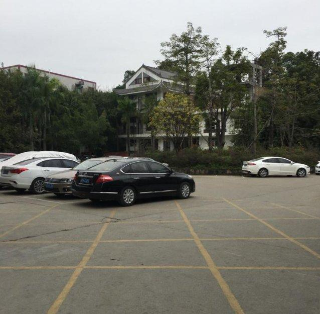 广东中山南朗占地40亩建筑7700㎡国有证厂房出售
