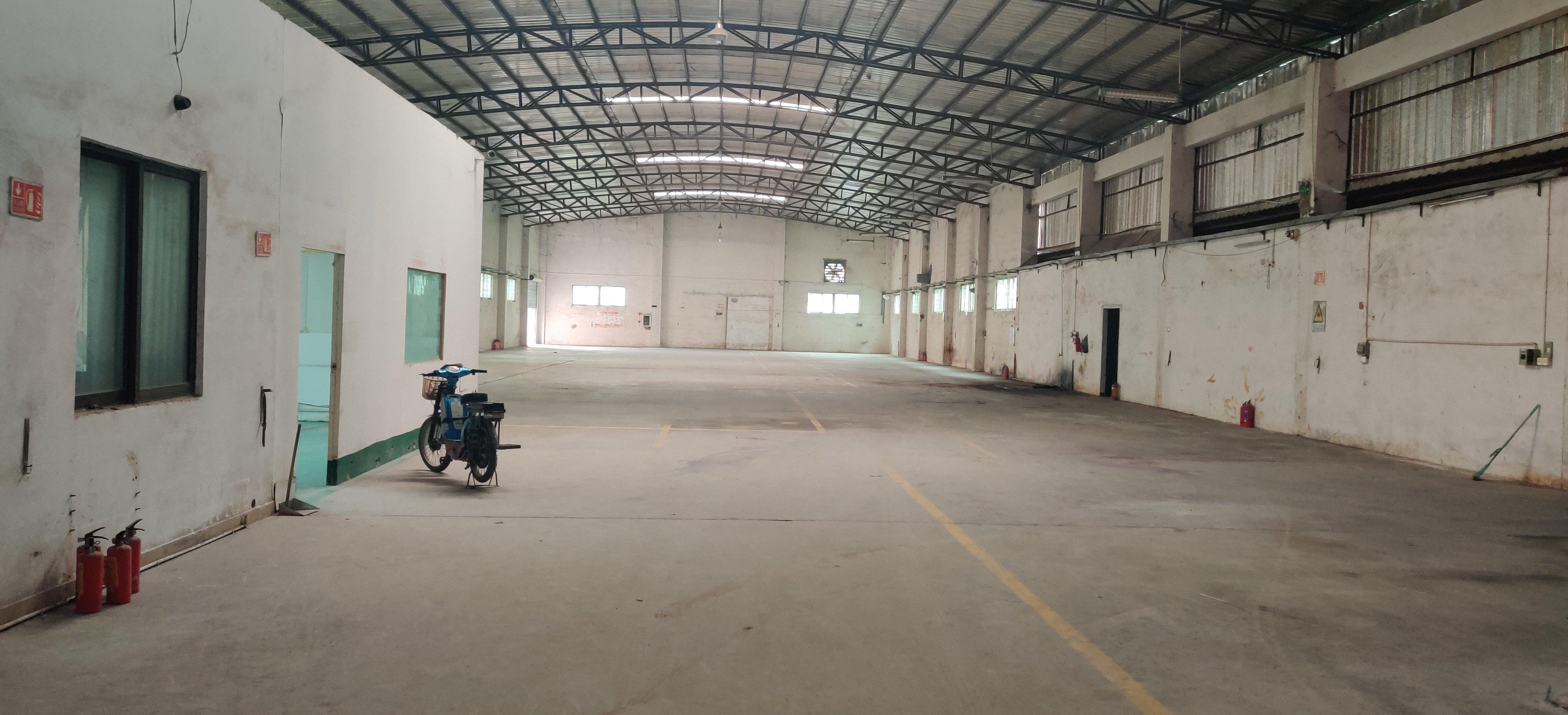 寮步镇出租单层钢构1800平方滴水7.5米