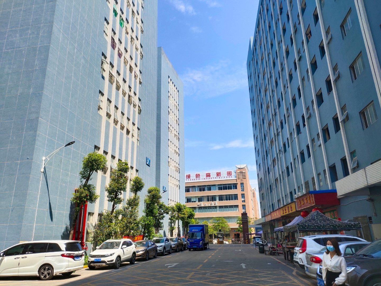 石岩水田德政路边新出楼上整层精装修2255平方厂房出租可分租