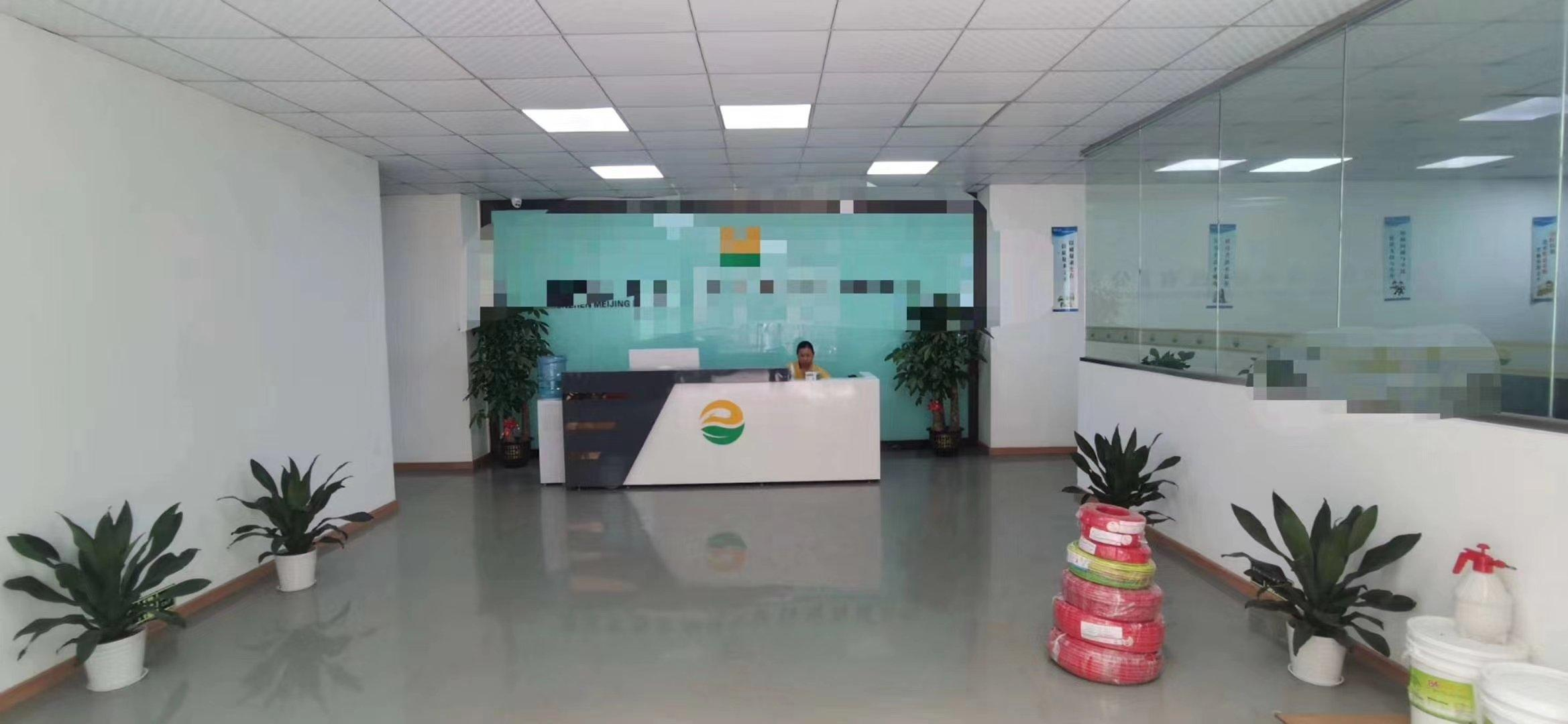 龙华大浪福龙路出口新出精装修厂房,办公室仓库720平出租。