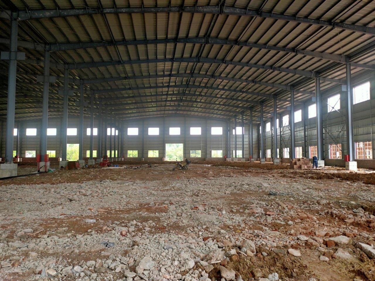 佛山高明杨和镇全新钢构13米高带牛腿独门独院