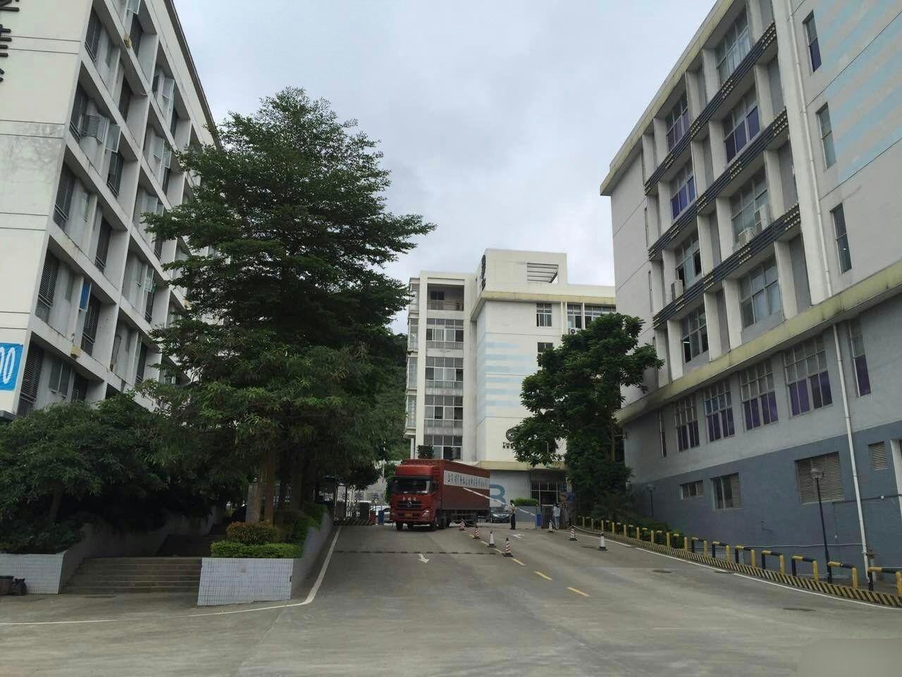 龙岗永湖地铁站附近2450平精装修办公室带地坪漆原房东万博app官方下载出