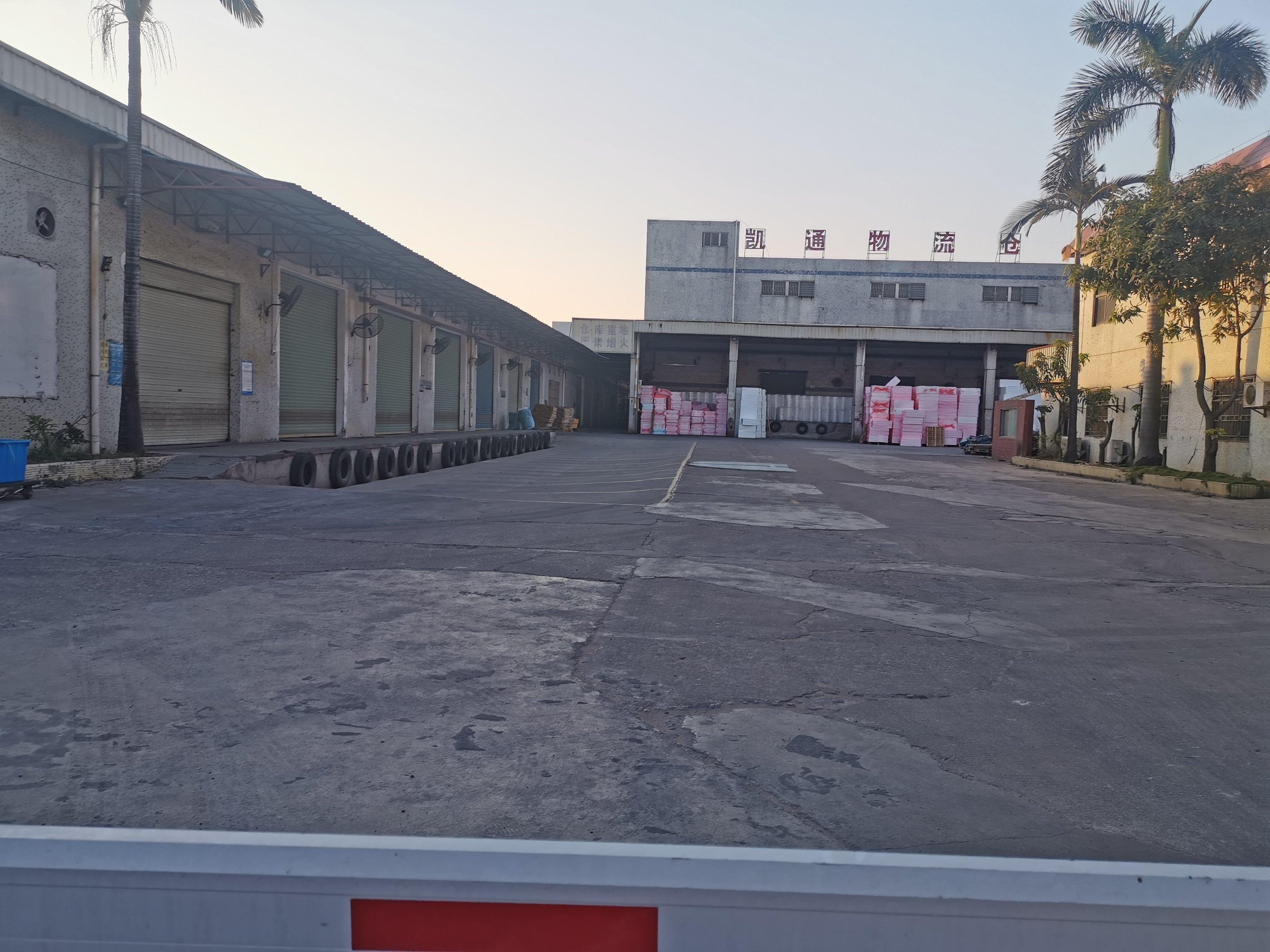 福永沿江高速独院6000平带平台仓库出租
