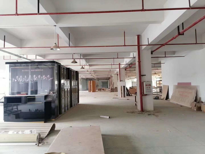 惠城新出楼上2300平方,证件齐全,现成喷油房,现成办公室