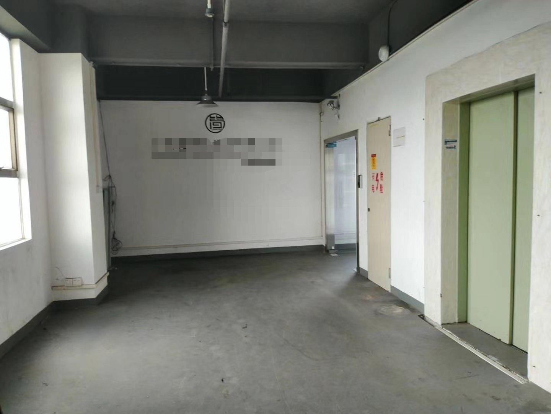龙华大浪浪口新出精装修厂房办公室仓库850平出租。