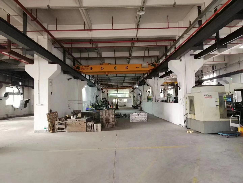 层高6.8米重工业标准厂房一楼2180,水电齐全