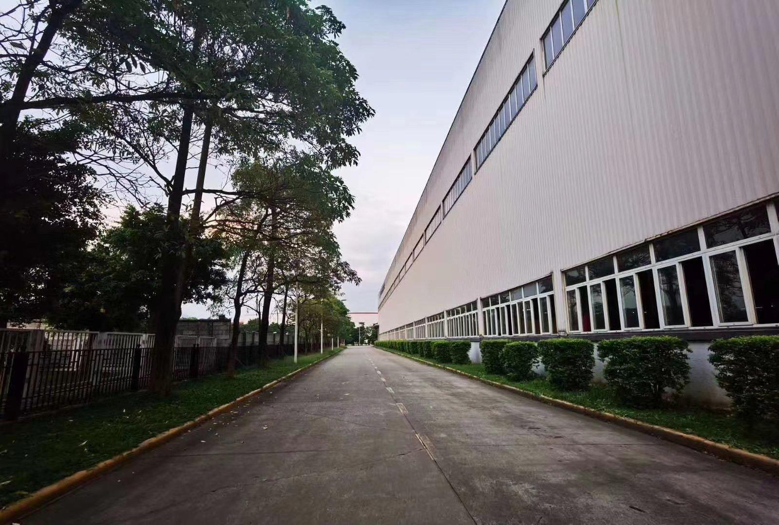 肇庆高新区主干道旁全新红本厂房出售,企业外迁优选地