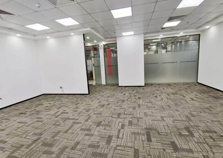 坂田杨美地铁站现空出豪装办公室,安保措施到位,采光十足图片4
