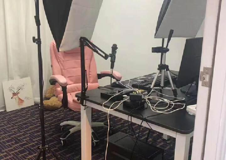 龙华民治新出精装办公室350招租,现成的直播间,可直接入驻图片2