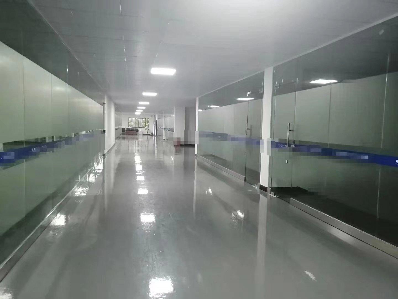 陈江镇高速路口旁带装修标准厂房一楼600二楼2200平