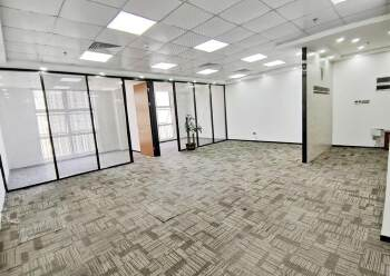 坂田杨美地铁站现空出豪装办公室,安保措施到位,采光十足图片2
