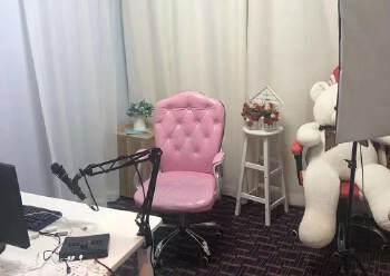 龙华民治新出精装办公室350招租,现成的直播间,可直接入驻图片3