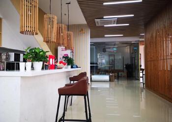龙华明治新出一楼复式办公室,豪华装修,送135平私人花园图片2