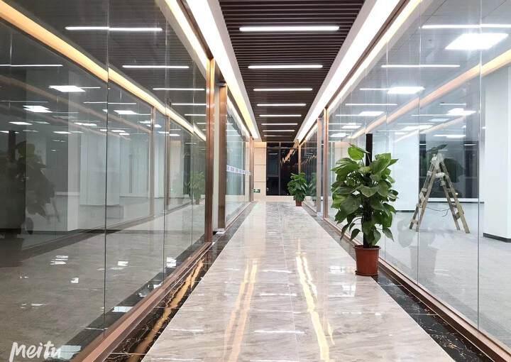 固戍地铁口800米精装办公室出租可定制装修图片3