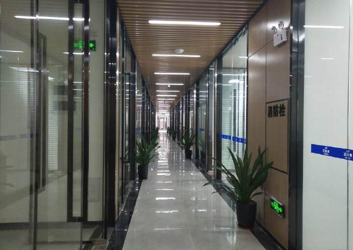 西乡银田工业区现有精装写字楼小面积108平出租图片1