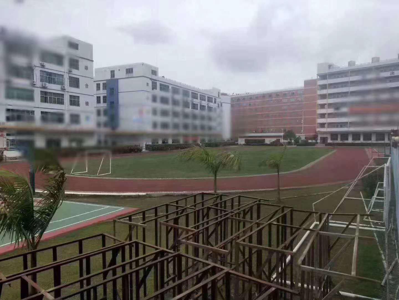 松岗现成学校46000平带球场空地超大有红本合同15年-图3