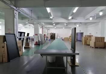 观澜楼上精装修厂房2400平20元,大气前台,办公室豪华装修图片3