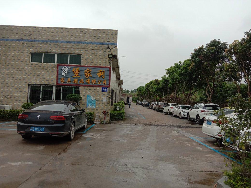 大亚弯噢头工业厂房钢构1750平方出租