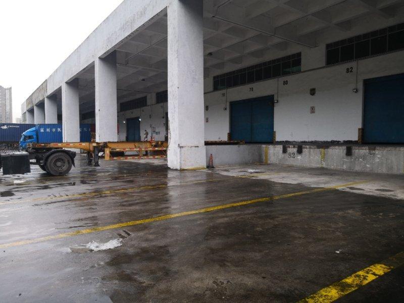 深圳盐田带卸货平台标准仓库12000平方米出租
