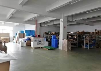 观澜楼上精装修厂房2400平20元,大气前台,办公室豪华装修图片9
