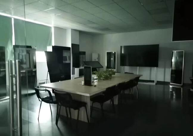 观澜楼上精装修厂房2400平20元,大气前台,办公室豪华装修