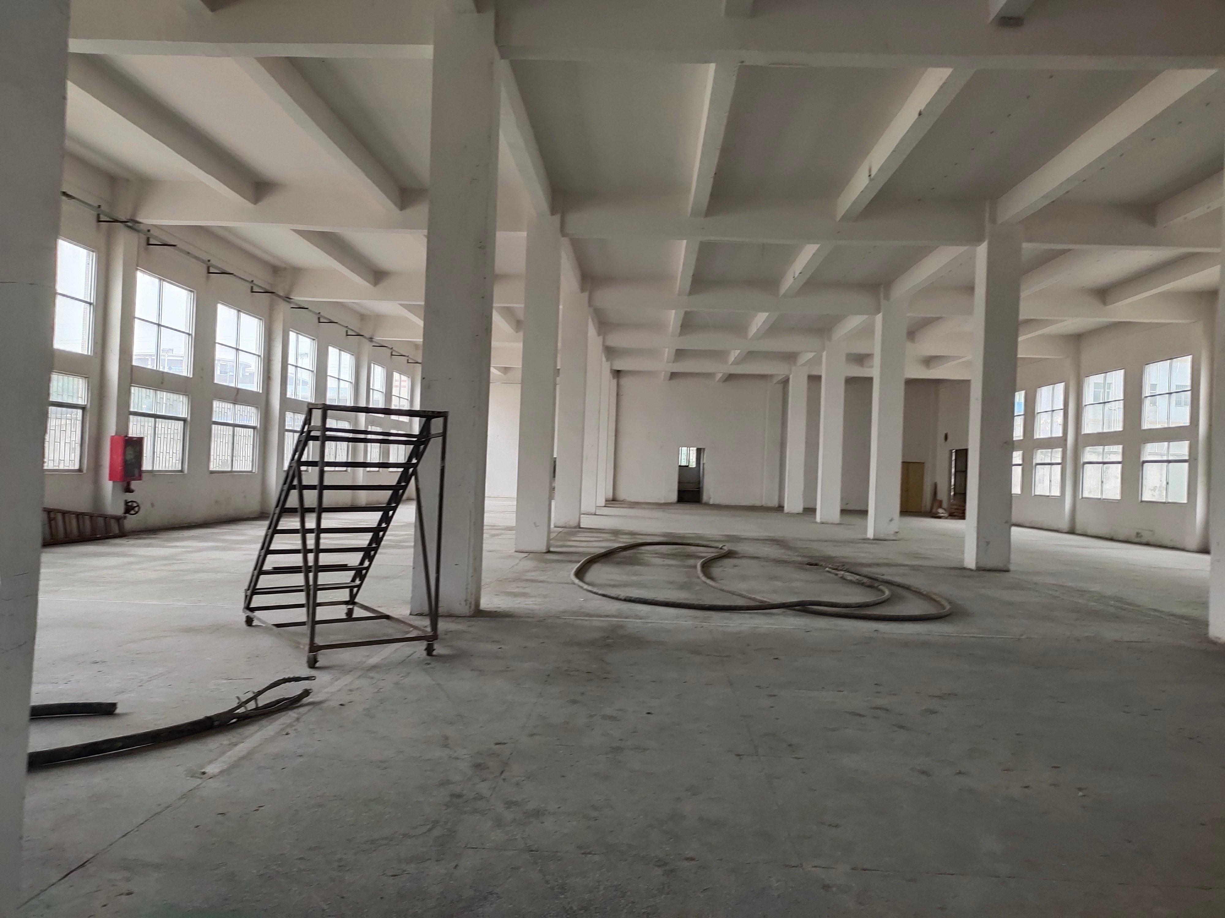 个人厂房物流仓库1500平米,超大空地出租